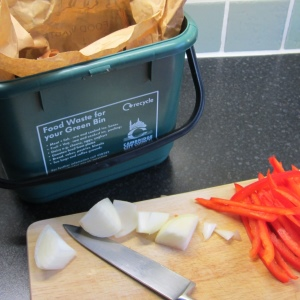 Collect a free kitchen caddy for your food waste